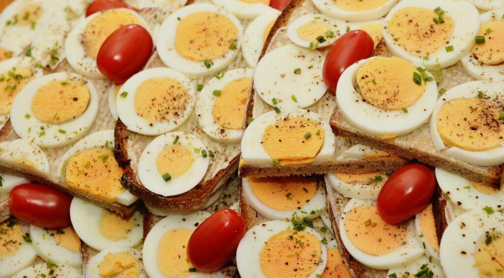 Co na oczy - śniadanie